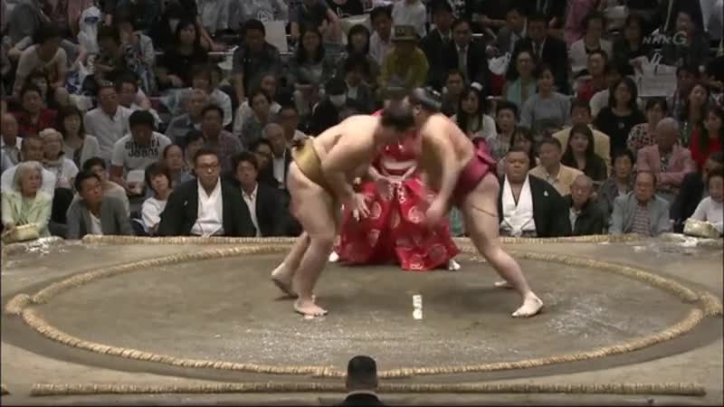 YEET. Kagayaki vs Abi, Aki Basho Day 6 2018 join list: SumoSlammers (171 subs)Mention History Can't sleep so I'm posting more sumo... Like tossing luggage into the back of the van