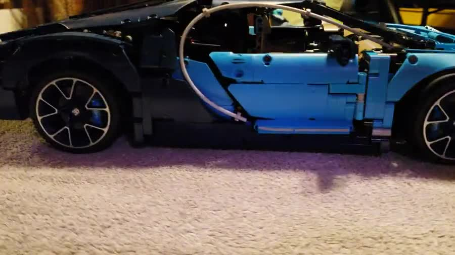 Lego Bugatti Chiron Build. pics show all pieces and when each box was done 6 boxes all together total build time was 14 hrs and 50 minutes.