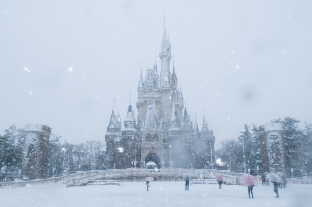 Cinderella Castle in Tokyo Disneyland. join list: AwesomeArchitecture (77 subs)Mention History.. Looks like an Elsa castle with all that snow.