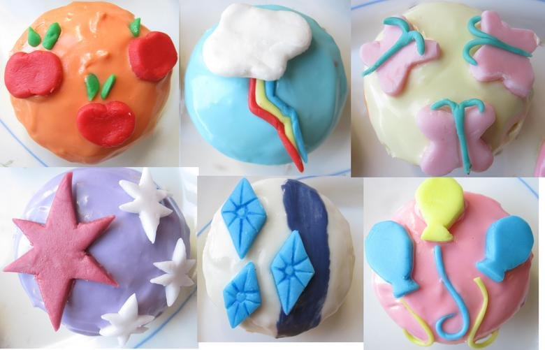 Cupcaaakes!. I made these for my birthday about a month ago, but it only occurred to me now to share it with ponytime..
