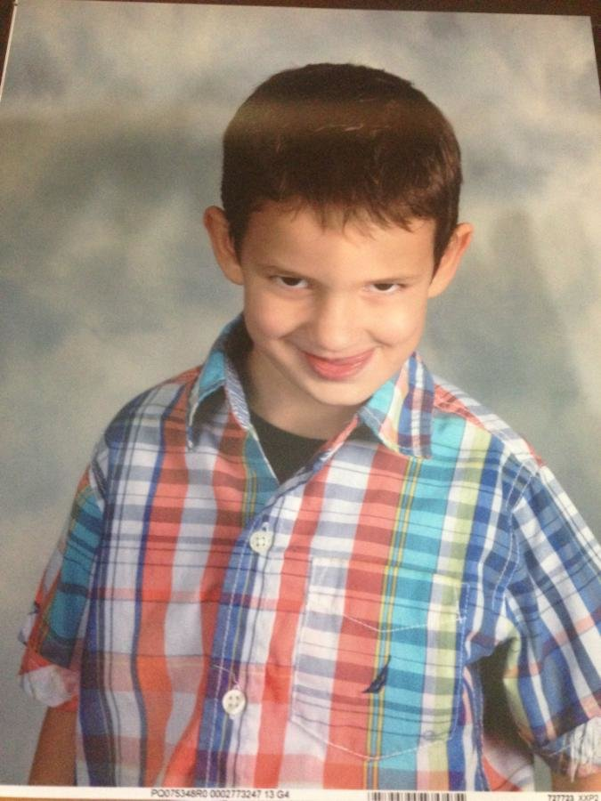 Friend's Nephew got his school picture i. Hahahah cant stop laughing with this..
