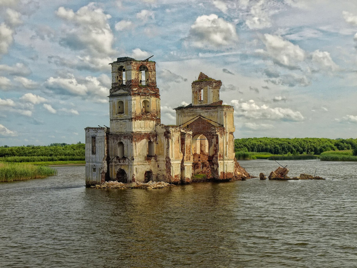 Krokhino Church (Vologda Oblast, Russia). join list: AwesomeArchitecture (77 subs)Mention History.. Love this content.