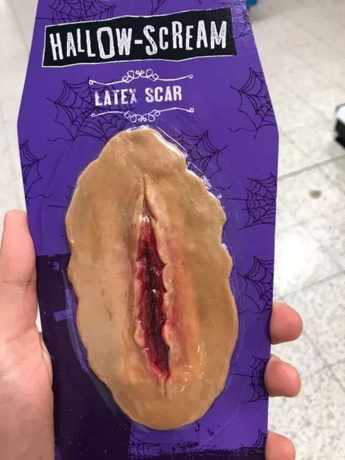 Latex scar.. join list: ZanesOldMemes (132 subs)Mention History.. lol gash