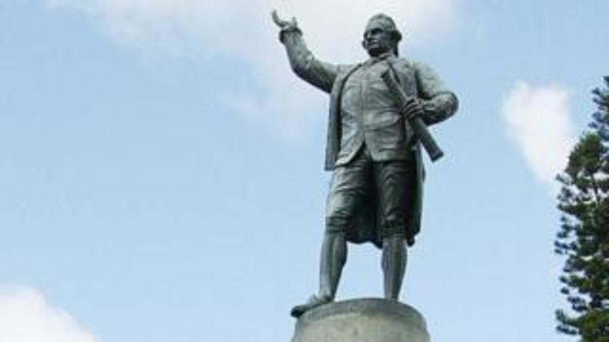MUH WHITE AUSTRALIAN GUILT. Australia debates Captain Cook 'discovery' statue tldr - Cook Discovered Australia, period, however there is some truth that they es