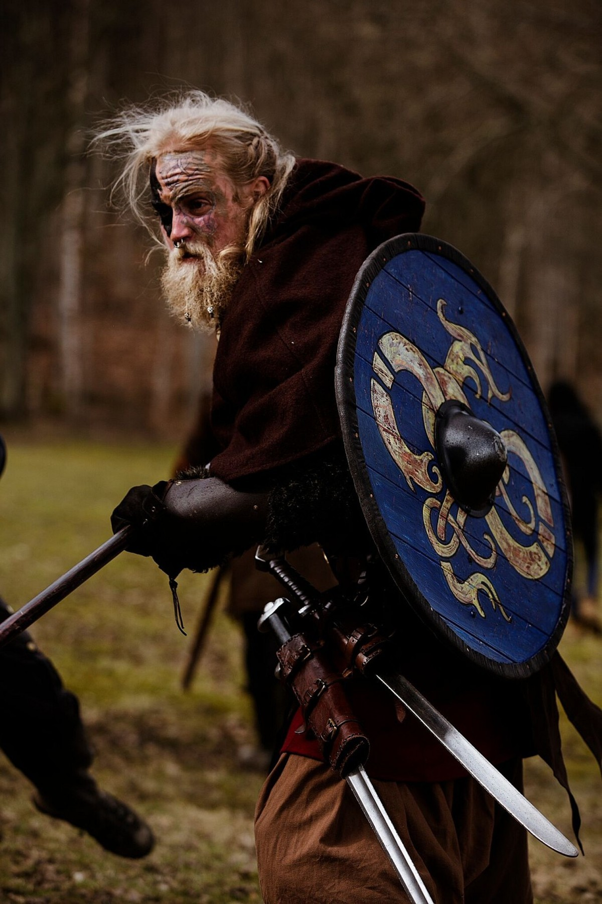 norse. join list: StabbingTime (527 subs)Mention History.. Swords hanging with blades exposed, one-way ticket to slash-my-own-leg-to-pieces-ville
