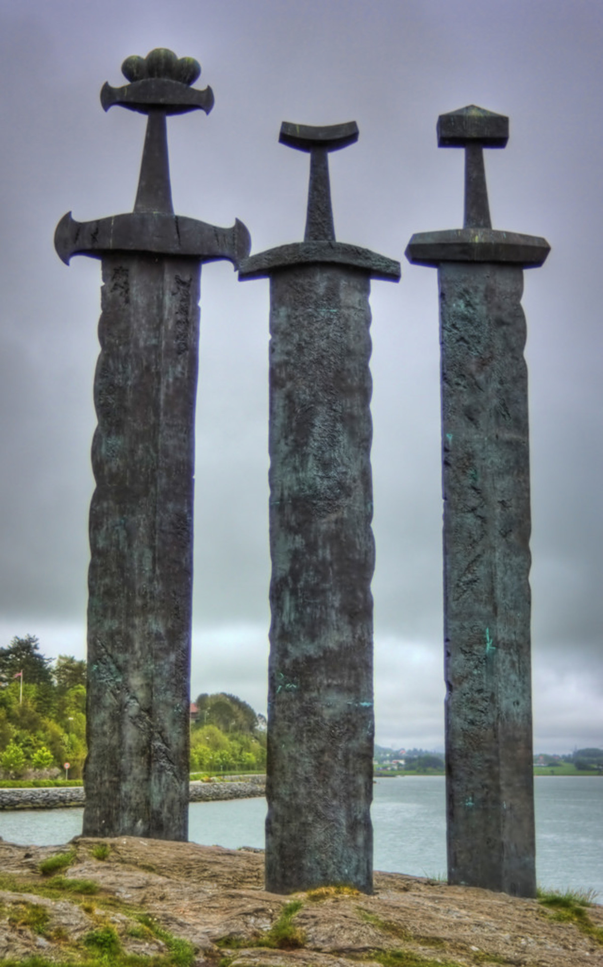 stabs. join list: StabbingTime (527 subs)Mention History.. For those who want too know what they represent: The 3 swords are monuments dedicated to the battle of Hafrsfjord that toke place there in 872 ac, and ended up