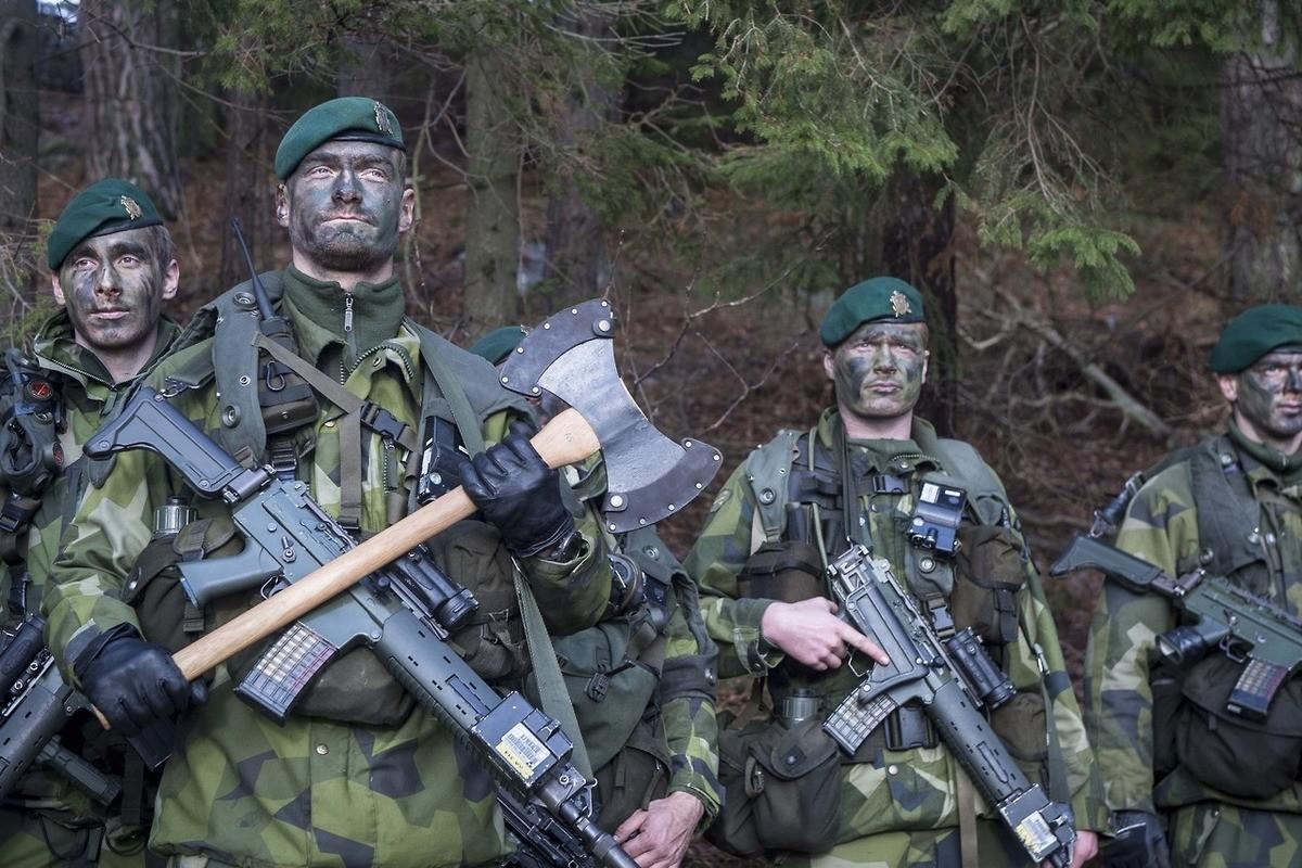 tactical axe. join list: WorldWar (793 subs)Mention History join list: