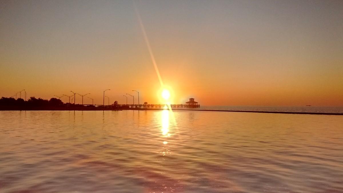 Today. Sunrise as we left the marina The marina Sunset shortly after i got back I hurt.. Who hurt you?