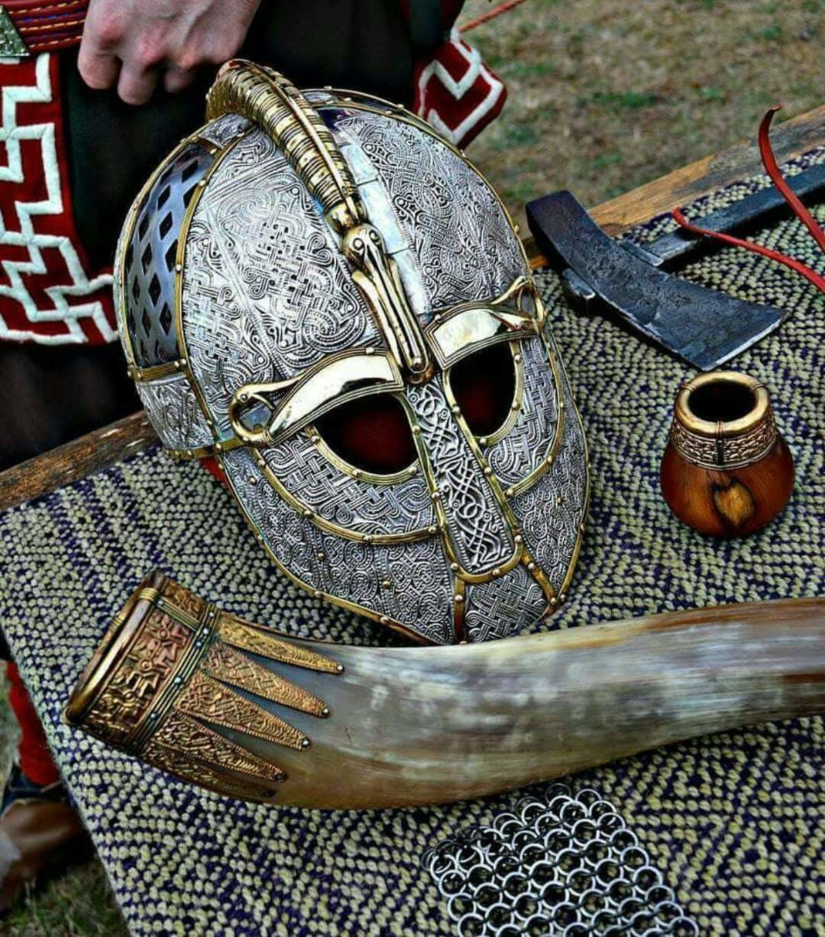 viking. join list: StabbingTime (527 subs)Mention History join list:. I remember saxon wore those once
