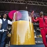 """Snoop Dogg just set a world record for """"Largest Gin and Juice"""""""